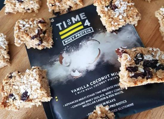 TIME 4 NUTRITION COCONUT & RAISIN PROTEIN OAT BARS